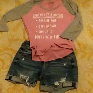 Outfit fashion short mezclilla y blusa comoda